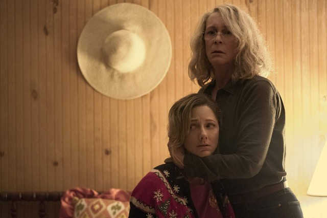 Judy Greer and Jamie Lee Curtis in Halloween