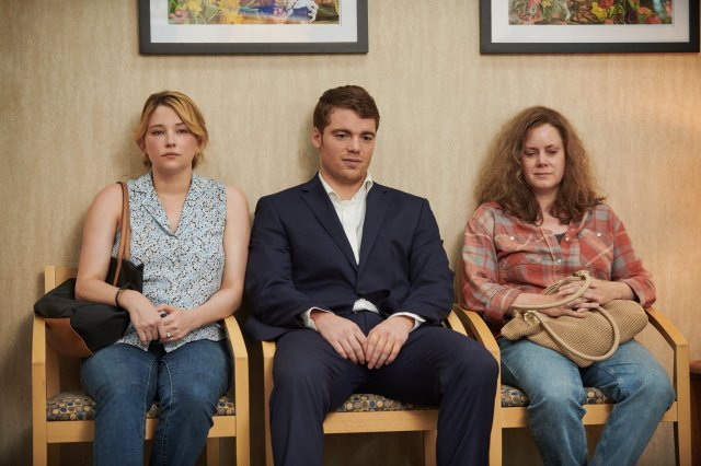 Haley Bennet, Gabriel Basso and Amy Adams in Hillbilly Elegy