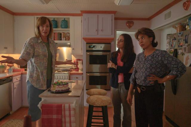 Allison Janney, Mila Kunis and Regina Hall in Breaking News in Yuba County