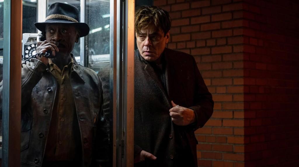 Don Cheadle and Benicio del Toro in No Sudden Move